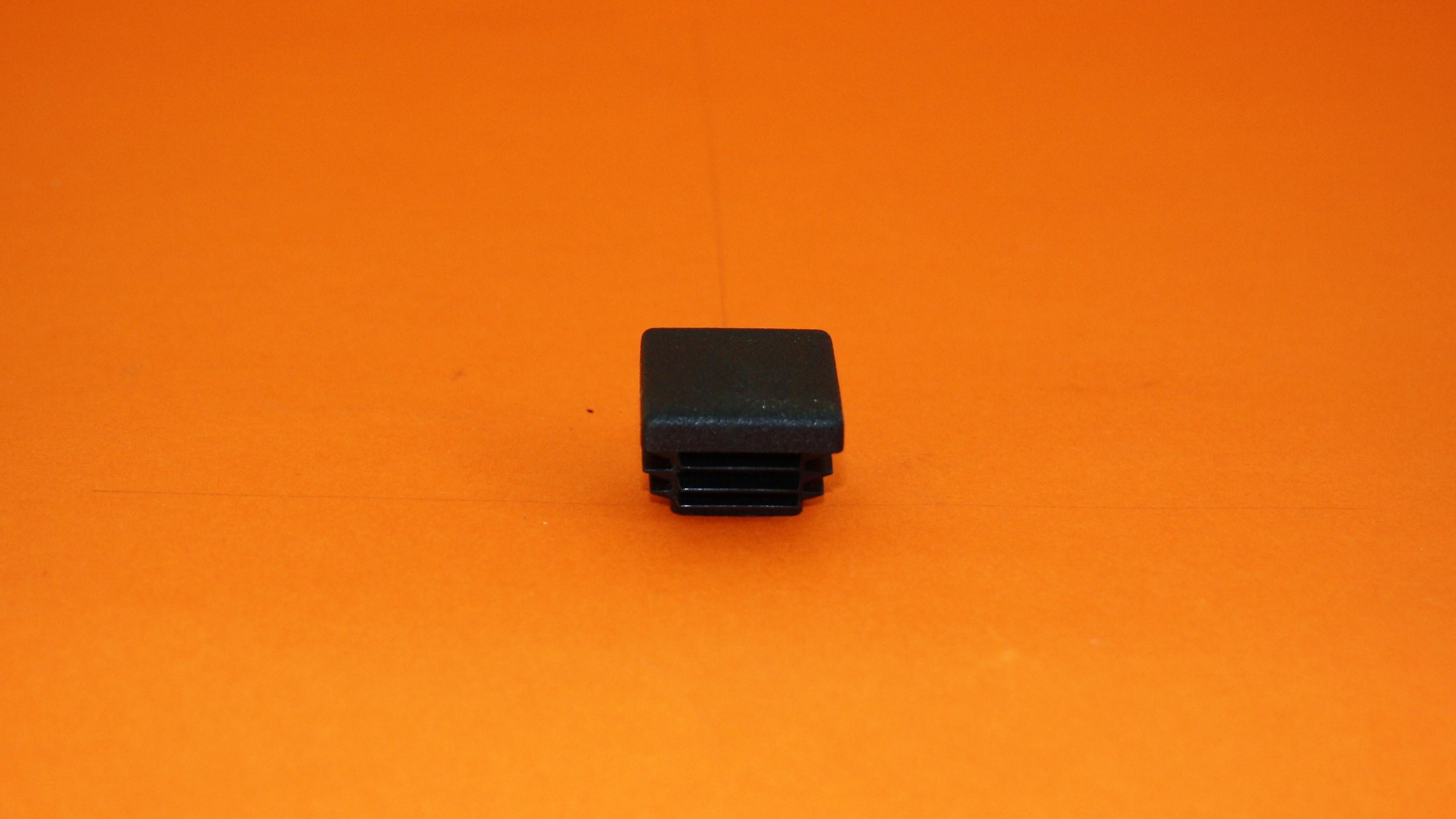 Zátka čierna
